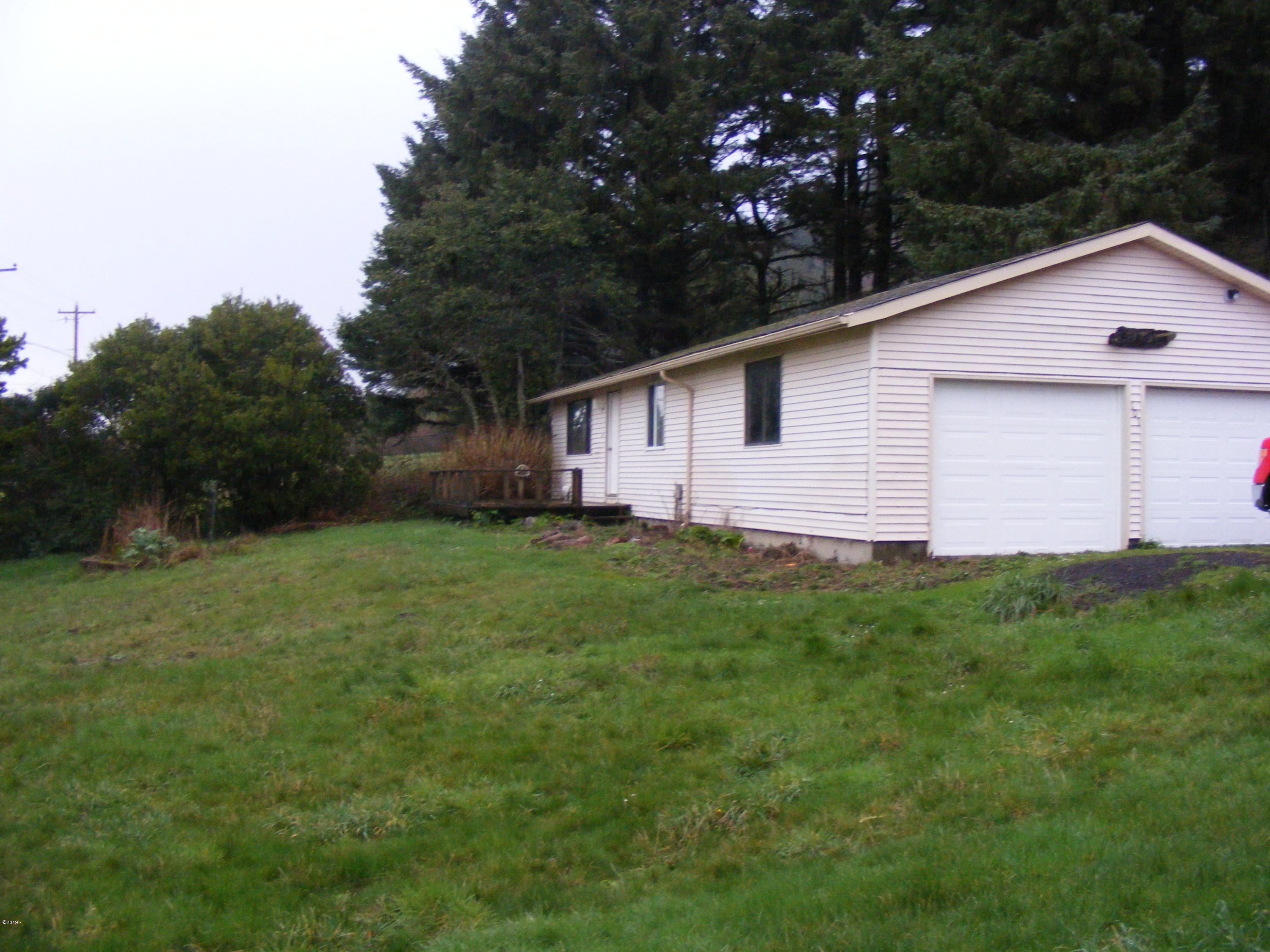 101 Spring Hills, Yachats, OR 97498 - Exterior