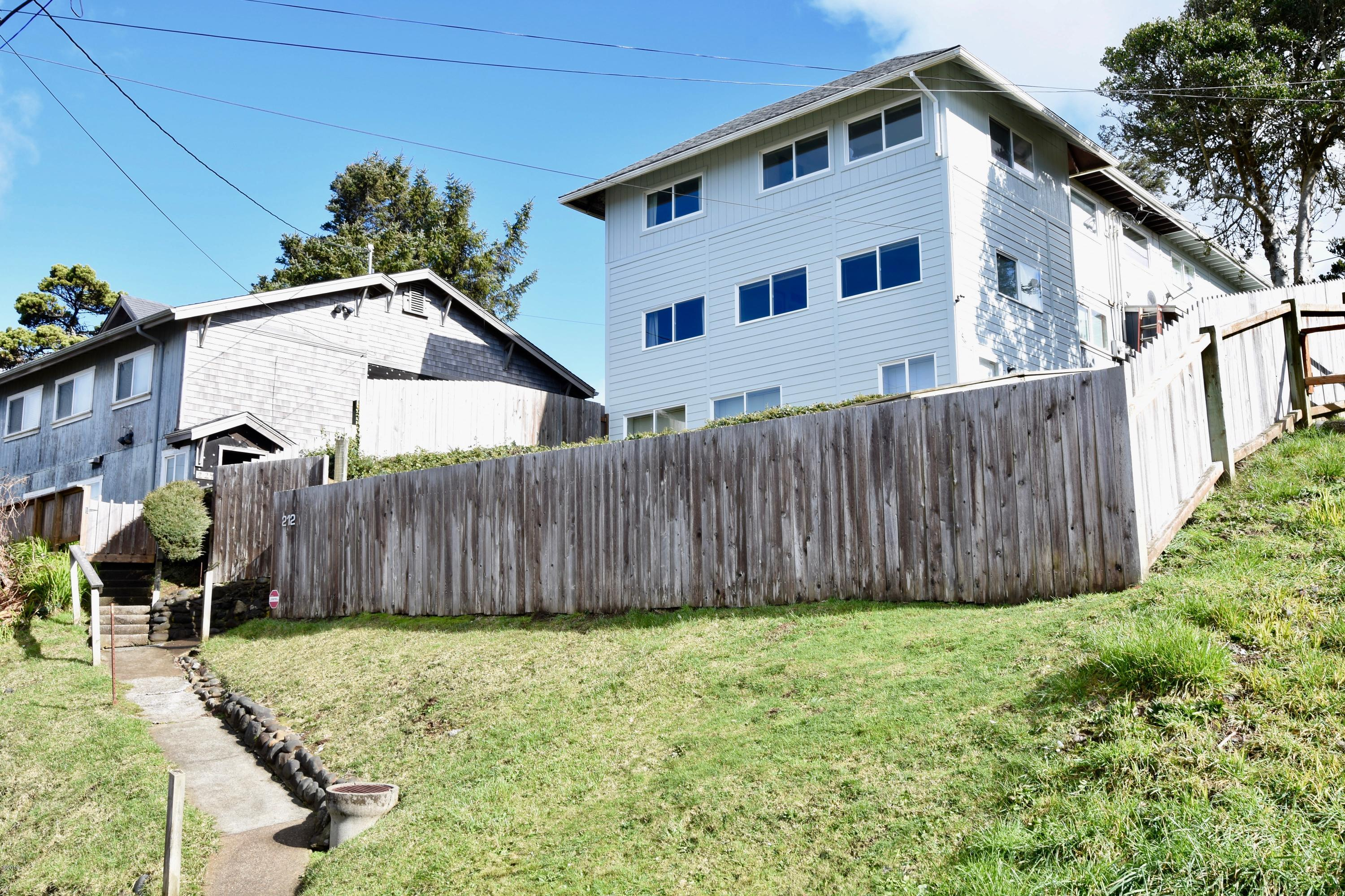 212 NW Brook St, Newport, OR 97365 - 212 NW Brook Street