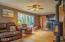1395 NE Newport Heights Drive, Newport, OR 97365 - Living room