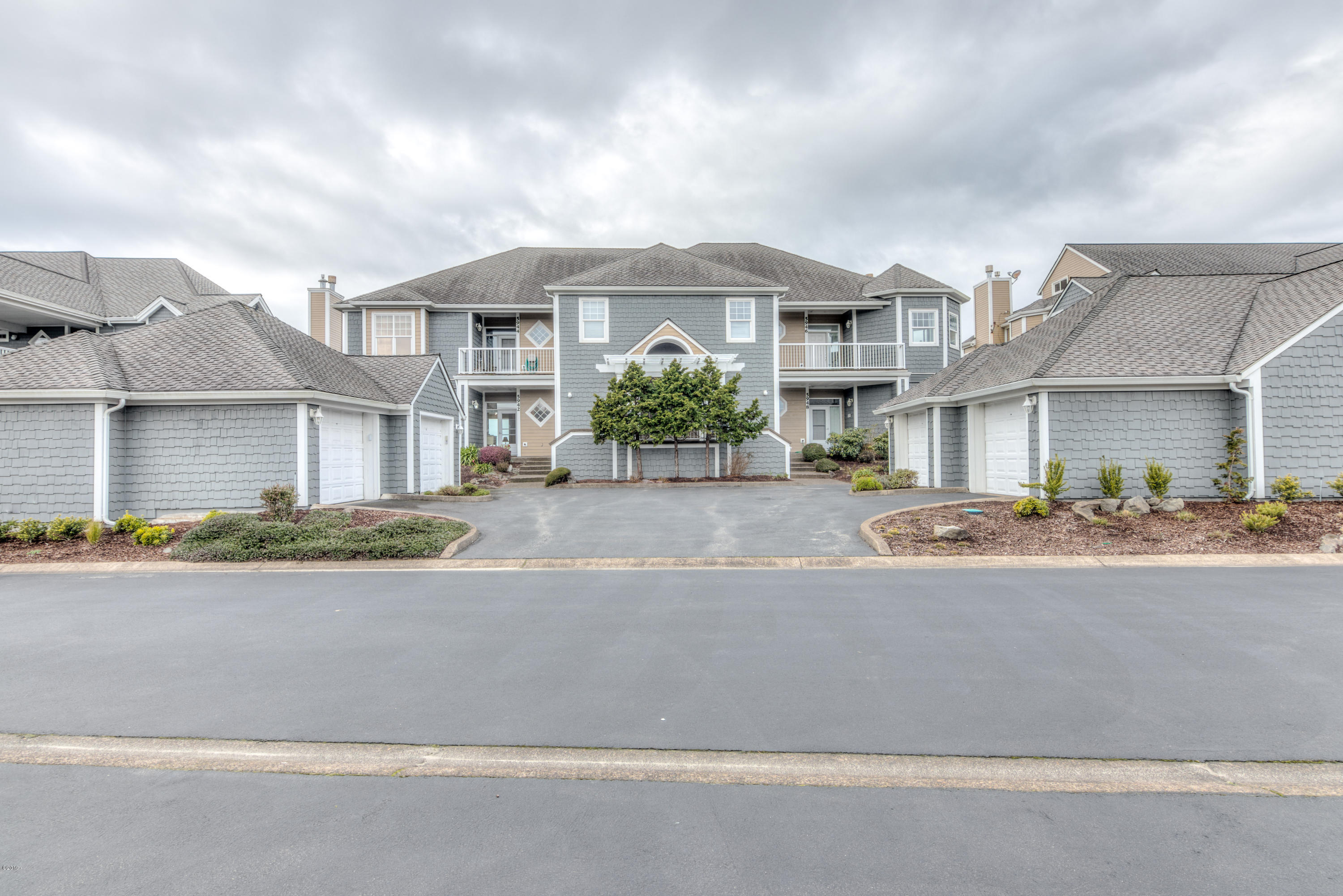 5942 SW Cupola Dr, Newport, OR 97366