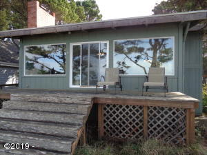 235 SW Cliff St, Depoe Bay, OR 97341