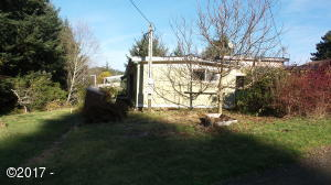 15 E Castle Rd, Waldport, OR 97364 - Front of Home
