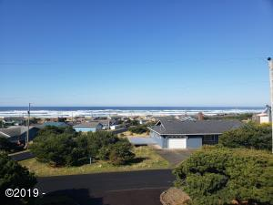 2201 NW Parker Ave, Waldport, OR 97394