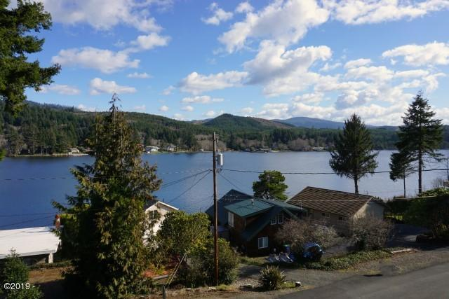 1531 NE Lake Drive, Lincoln City, OR 97367 - Deck View