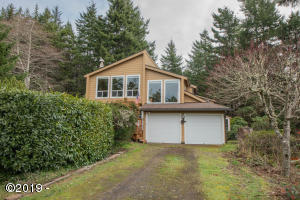1905 NW Pine Crest Way, Waldport, OR 97394 - front view