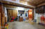 1534 NW Spring St, Newport, OR 97365 - Over sized Single Garage