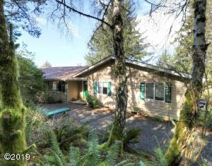 331 SE Back Bay Dr, Newport, OR 97365 - Exterior 2