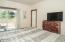 957 NW Inlet Ave, Lincoln City, OR 97367 - Master Bedroom - View 4 (1280x850)