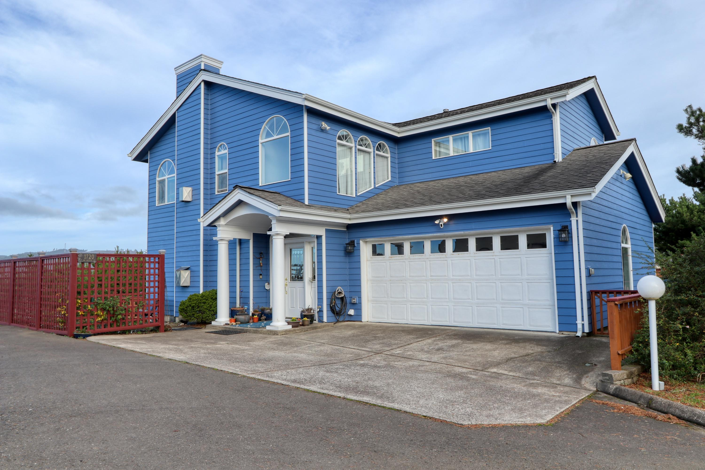 1720 NW Pacific St, Newport, OR 97365