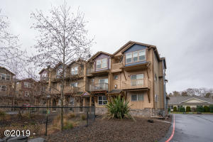 475 SE 35th Street, #D19, Newport, OR 97366 - Townhome