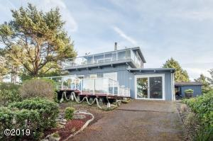 5623 SW Neal Ave., Waldport, OR 97394 - Exterior