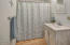 1302 NW 17th St, Lincoln City, OR 97367 - Full Bath