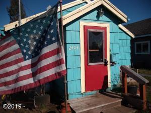 2404 10th St., Tillamook, OR 97141 - Exterior