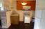 9812 S Coast Hwy, South Beach, OR 97366 - Hotel 1 bedroom unit kitchen