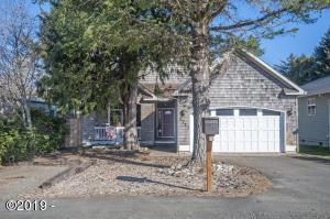 1723 SE 8th St, Lincoln City, OR 97367 - Exterior Front view