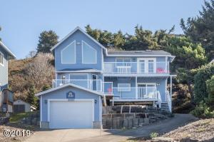 6518 NE Neptune Dr., Lincoln City, OR 97367 - The Neptune Seafront at Roads End