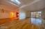 2790 NE Jackson Pl, Newport, OR 97365 - Large Living Room