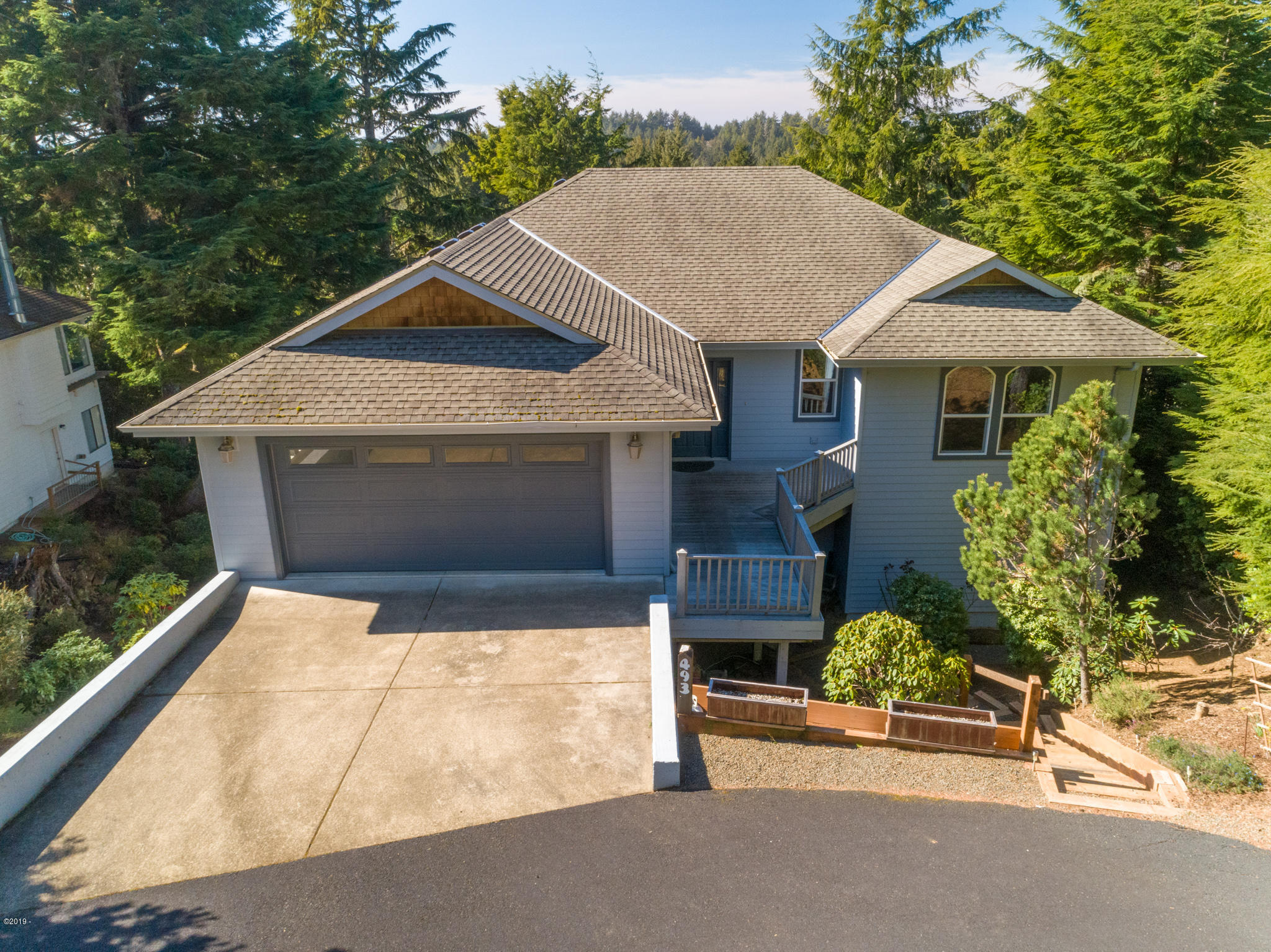493 Spruce Burl Ln, Gleneden Beach, OR 97388 - Front of Home