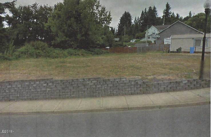 271 NE Beech St, Toledo, OR 97391 - Hutchins