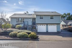 230 Lancer St., Lincoln City, OR 97367 - Curbside