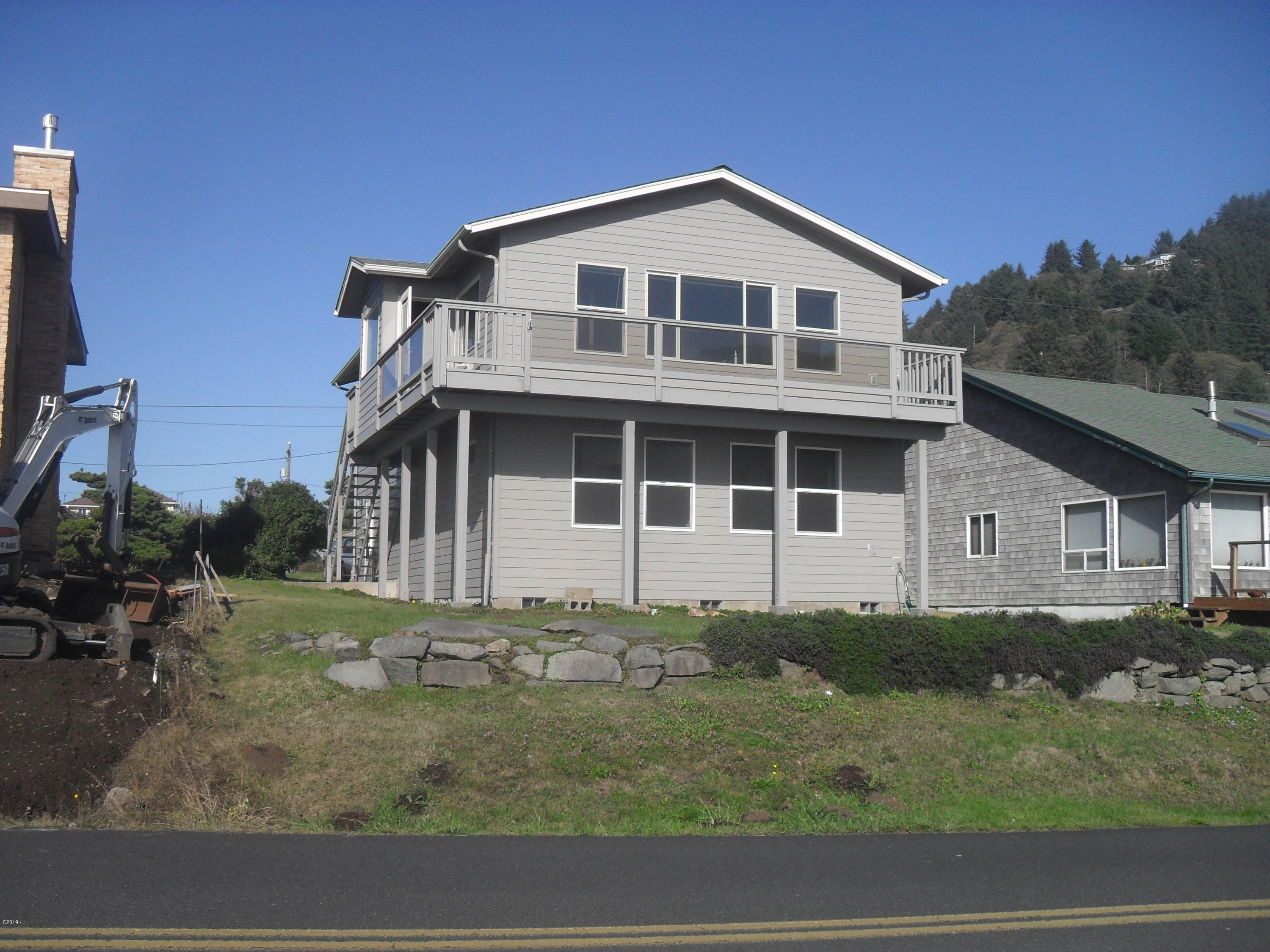 260 W 1st St, Yachats, OR 97498 - south side/bay side