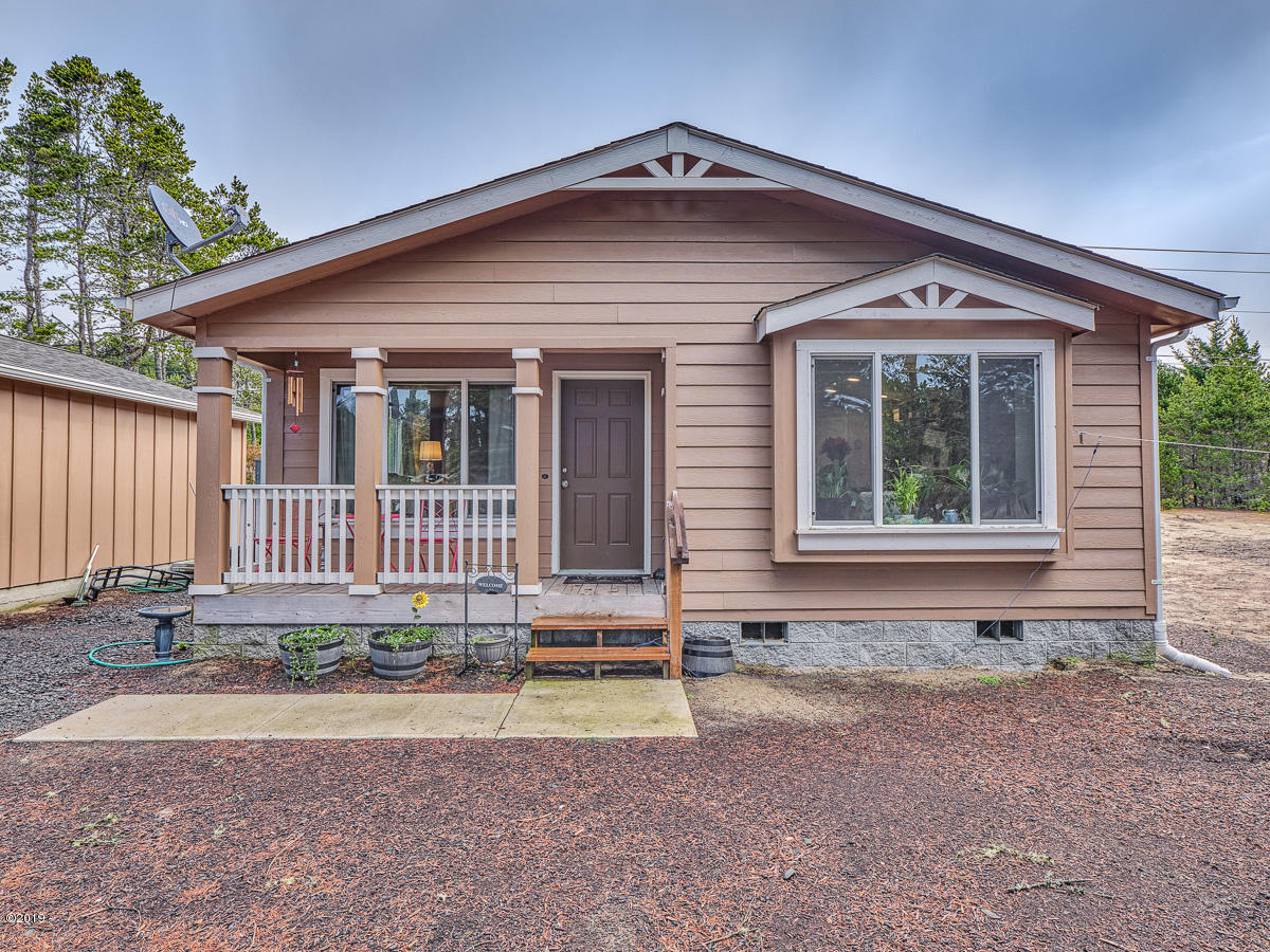 1909 NW Hilton Dr, Waldport, OR 97394 - Front of Home