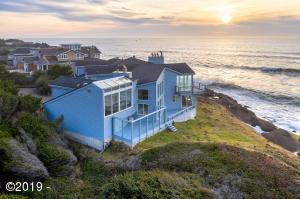 505 SW Cliff St, Depoe Bay, OR 97341 - Dramatic Ocean Front Setting