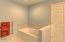 4616 S Beaver Creek Rd, Waldport, OR 97394 - Master Bath