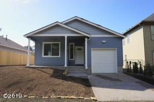 713 SE Keel Avenue, Lincoln City, OR 97367 - Exterior Good