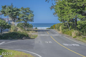 1817 NW Sandpiper Dr, Waldport, OR 97394 - View from Lot!