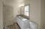 710 NE Lillian Ln, Depoe Bay, OR 97341 - Upstairs Bathroom