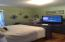 156 NW 9th St, Toledo, OR 97391 - Bedroom #1