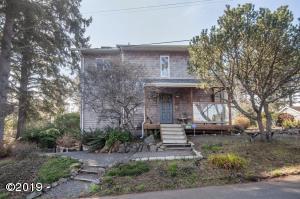 1820 NE 19th St, Lincoln City, OR 97367 - Exterior
