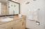 890 SE Bay Blvd, 107, Newport, OR 97365 - Bathroom - View 1