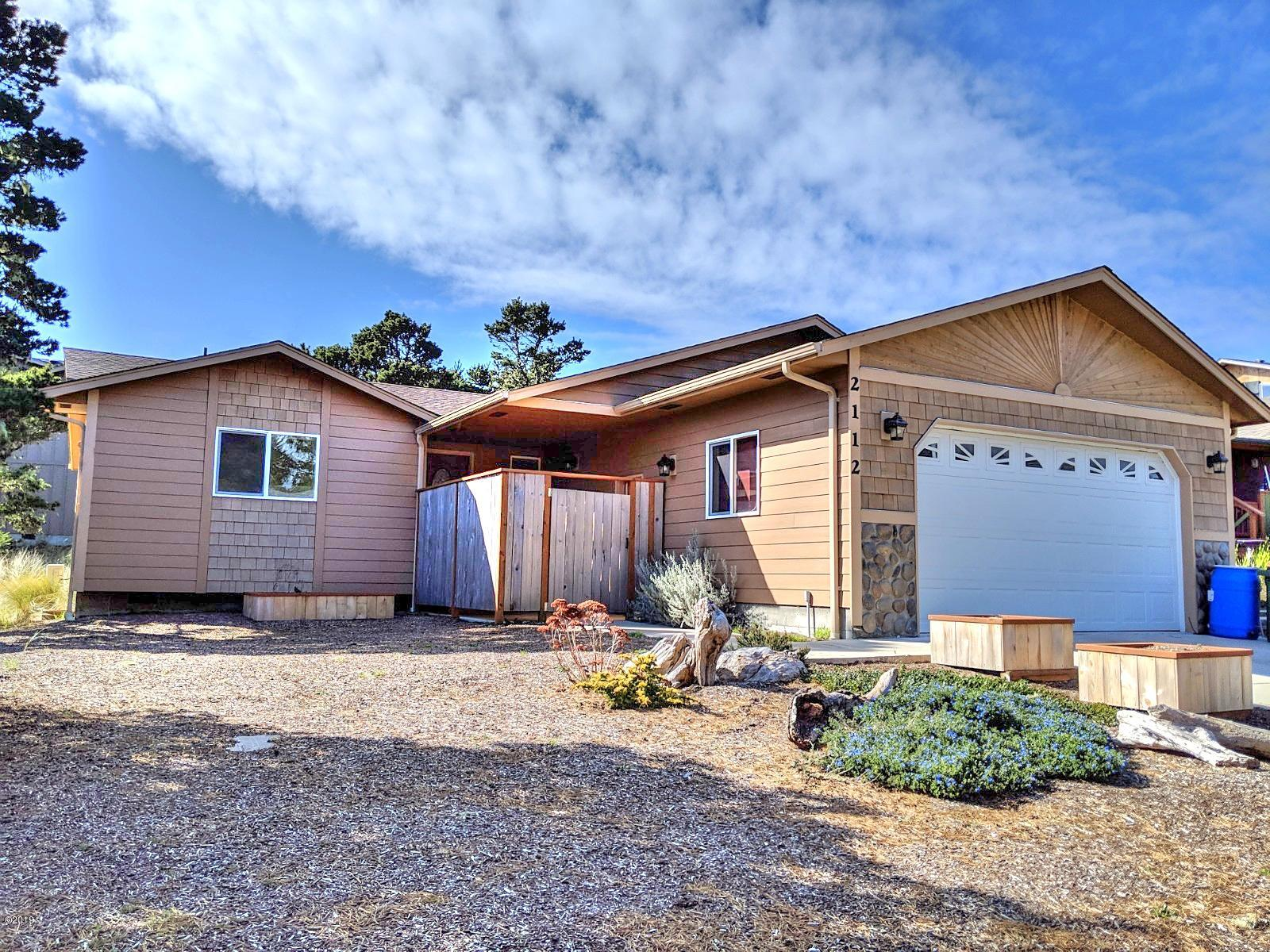 2112 NW Mokmak Lake Dr, Waldport, OR 97394 - Front Of The Home