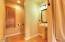 526 NW Coast St., H, Newport, OR 97365 - Master Bath 2