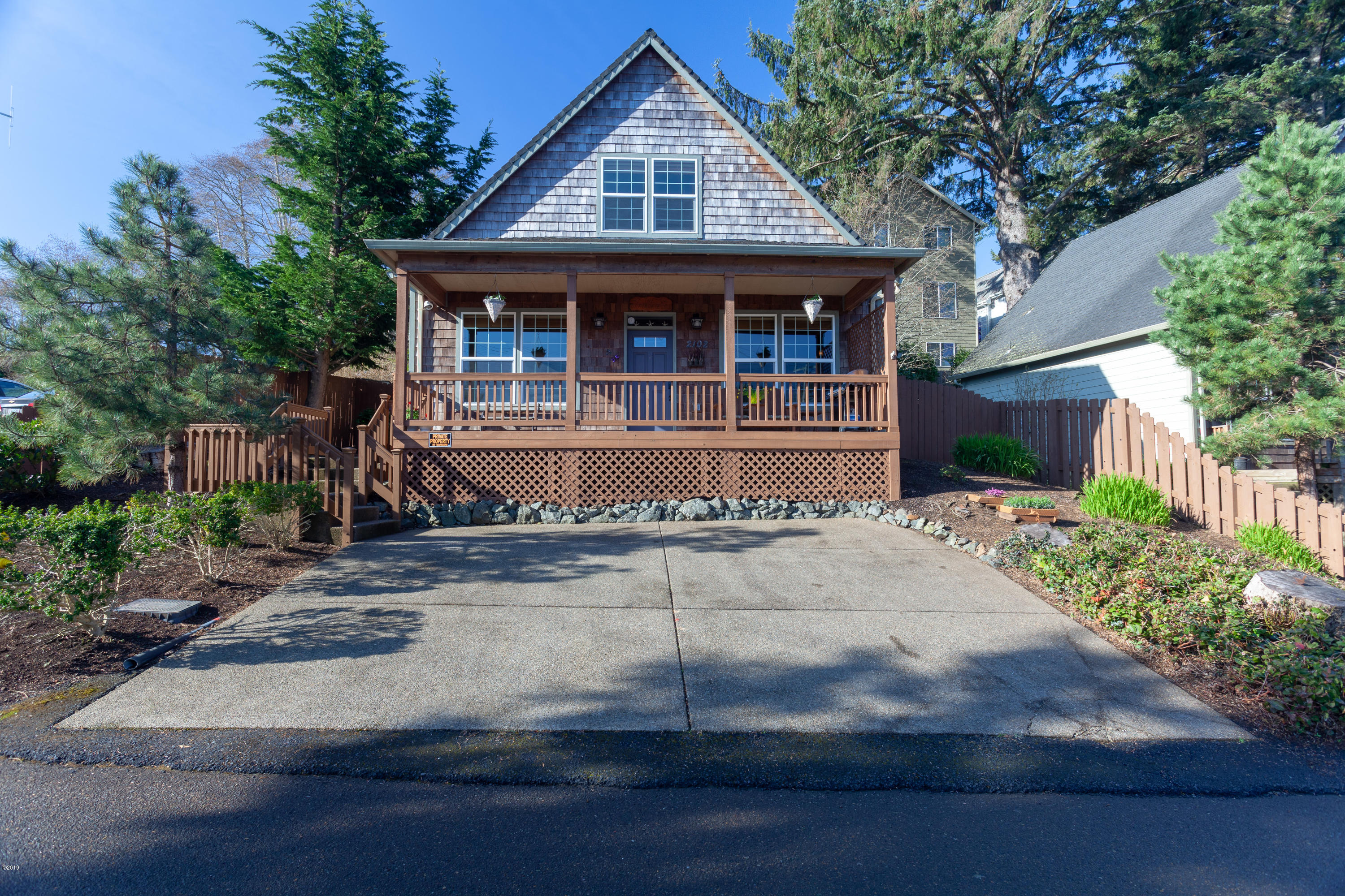 2102 NW 33rd St, Lincoln City, OR 97367 - 33rd-1