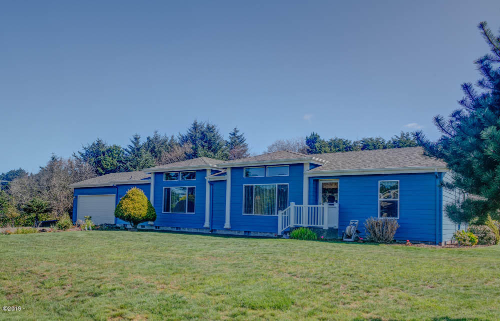 1160 SW Sailfish Loop, Waldport, OR 97394 - Front of home.
