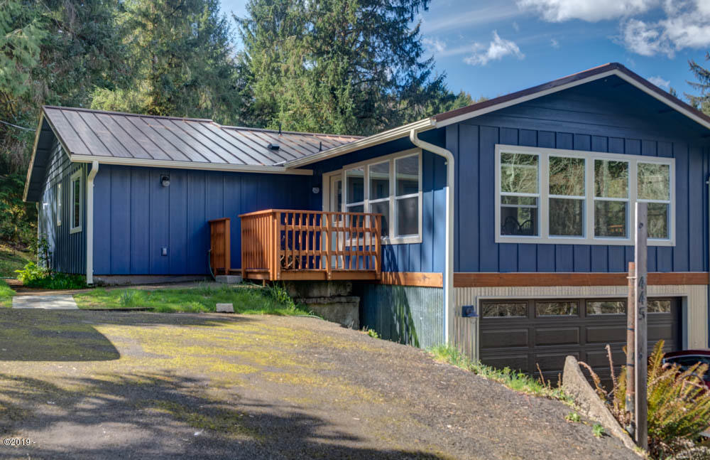 445 Pioneer Mountain Loop, Toledo, OR 97391 - Entrance