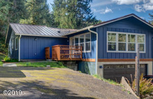445 Pioneer Mountain Loop, Toledo, OR 97391