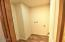 1701 NW Dodge Ct, Waldport, OR 97394 - Utility Laundry Room