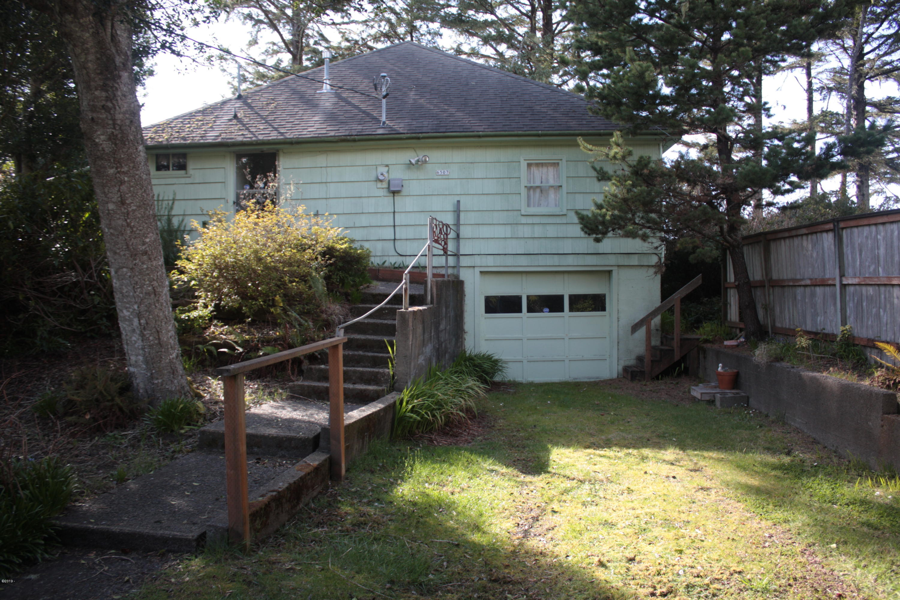 6507 SW Ebb Ave, Lincoln City, OR 97367 - From street
