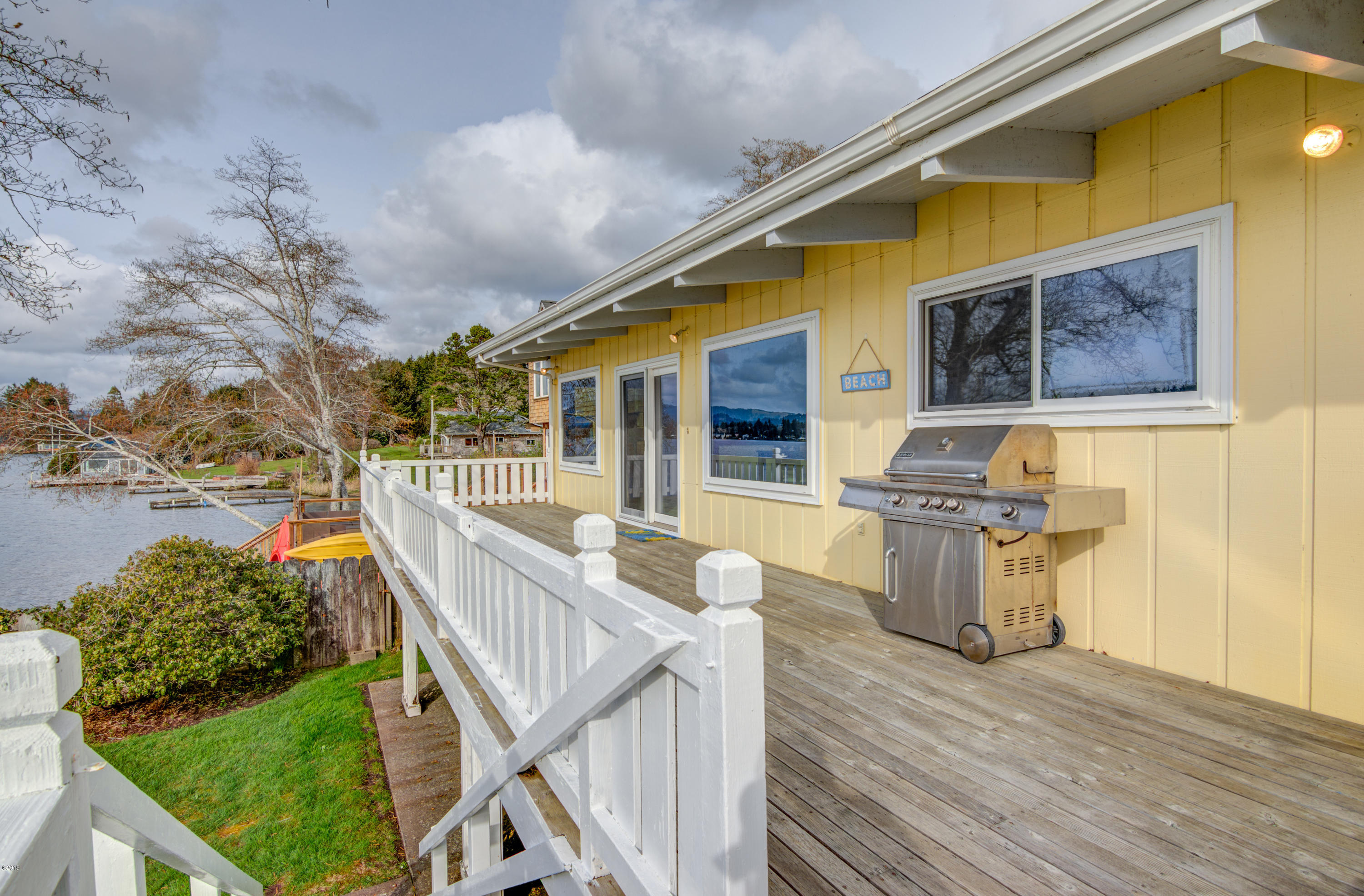 3577 NE 9th St, Otis, OR 97368