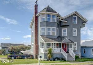 105 NW Coast St, Newport, OR 97365 - Curbside