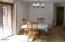 517 Thornton Crk, Toledo, OR 97391 - Dining area