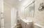 11813 NE Beverly Dr, Newport, OR 97365 - main bathroom