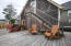 695 SW 26th Ln, Lincoln City, OR 97367 - Relaxing lounge seating