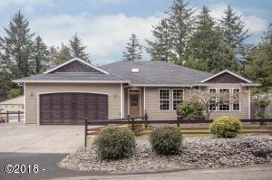 733 E Collins St, Depoe Bay, OR 97341 - Exterior