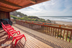 Perfect deck for breathtaking views and beautiful sunsets!