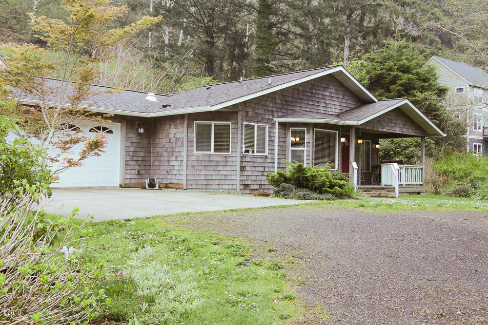 544 Lily Ct, Yachats, OR 97498 - Rothermich Exterior